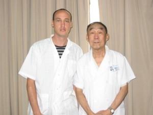 Prof. Qi Baoyu: מומחה לטיפול במחלות עיניים כרוניות